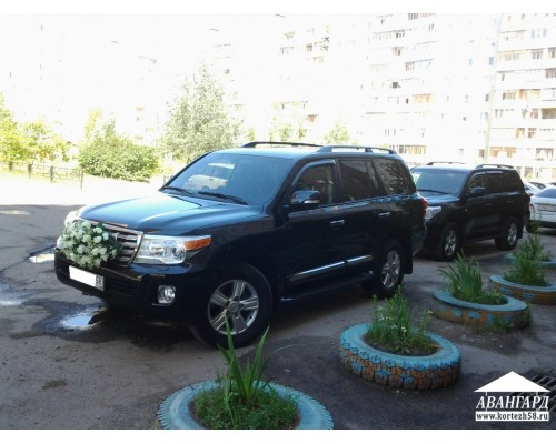 Toyota Land Cruiser 200 (Тойота Ленд крузер 200)